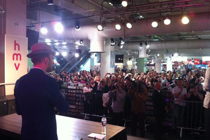 HMV signing in London - 14/10/13